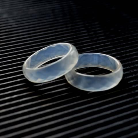 Купить кольцо из натурального камня, лунный камень, цена Киев Украина. Браслеты из натуральных камней нефрит, аметист в интернет магазине украшений Darsana